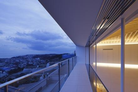 fachada-casa-le-49-apollo-architects-associates