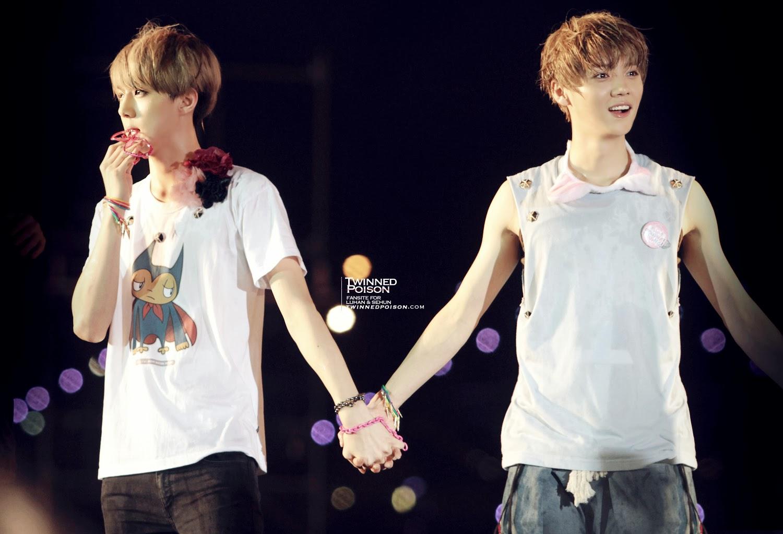 Hunhan Holding Hands