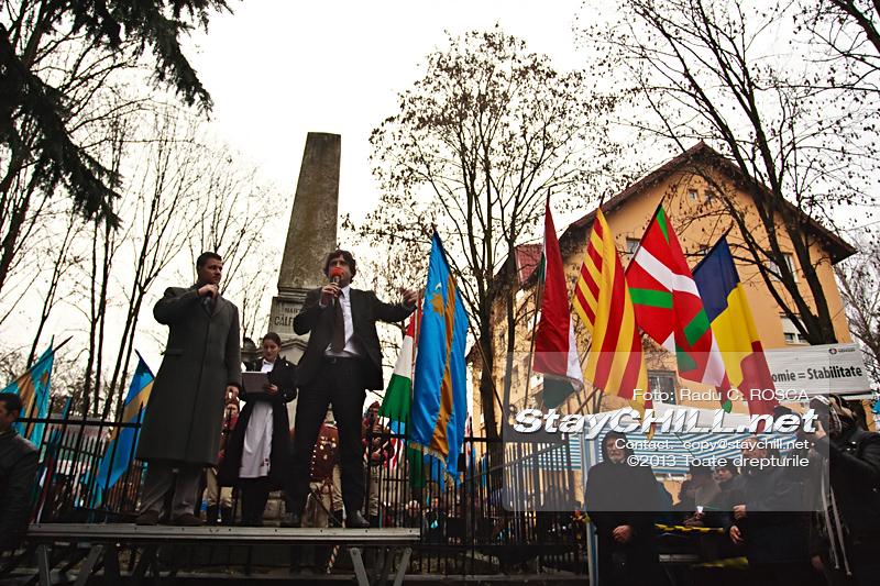 Marc Gafarot I. Monjo, din partea Partidului pentru Convergenţă Catalană sustine un discurs, in timpul mitingului pentru autonomia Tinutului Secuiesc desfasurat duminica, 10 martie 2013 la Tirgu Mures