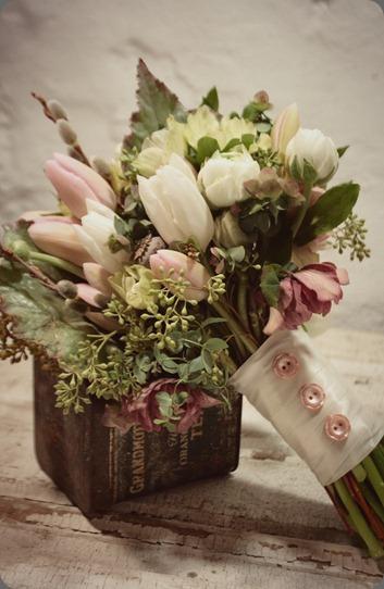 laura-bouquet love n fresh flowers dot com