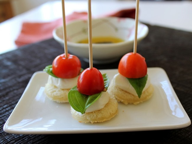 Tomato Basil Mozzarella Crostini Skewers via homework