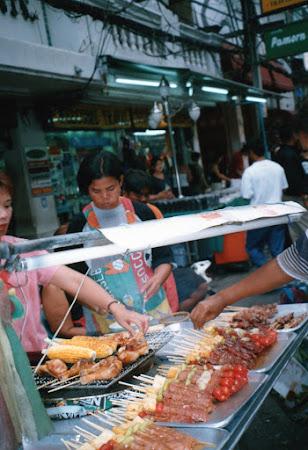 Mancare Thailanda: mancare pe strada Bangkok