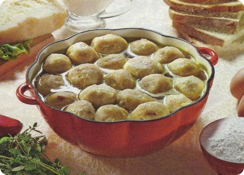 canederli tirolesi, uno dei piatti più famosi della cucina del ... - Cucina Trentino Alto Adige