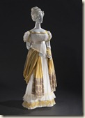 Anticomanie Empire Robe et châle, 1820 Gaze de coton brodé