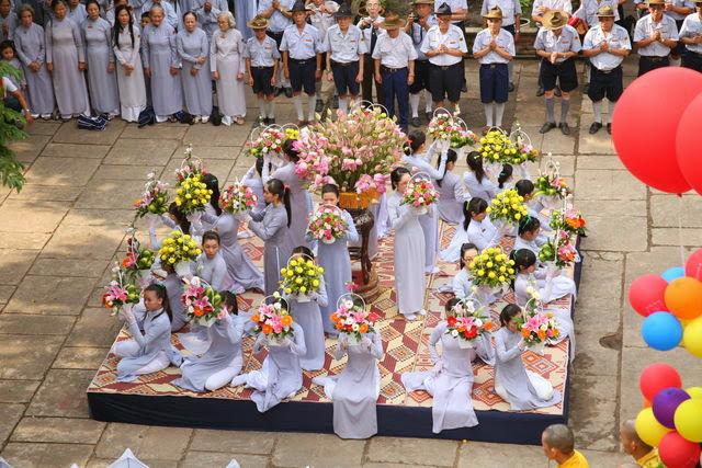 IMG 1809 Đại lễ Phật đản PL 2557 tại Tu viện Quảng Hương Già Lam