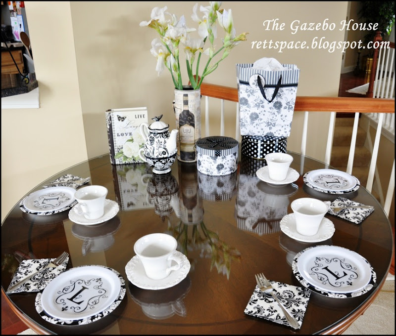 black & white damask table 008