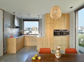 Muebles-de-cocina-en-madera-villa-rieteiland-oost