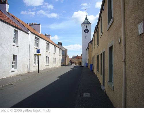 'West Wemyss' photo (c) 2006, yellow book - license: http://creativecommons.org/licenses/by/2.0/