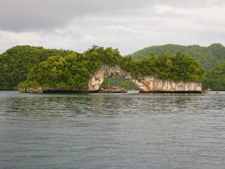 rock-islands-palau-19