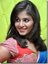 anjali_cute_looking_photo