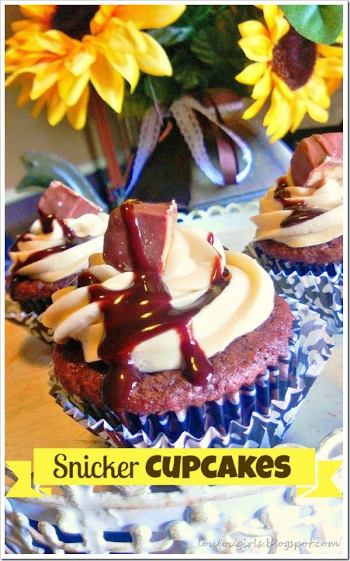 snicker cupcakes