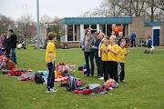 Schoolkorfbaltoernooi ochtend 17-4-2013 072.JPG