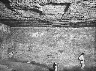 помещение вибратора это камера длиной 14 метров под пирамидой хеопса