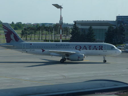 1. Qatar Airways la Otopeni.JPG