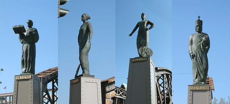 hamburg-bridges-statues