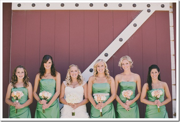 strawberry-farms-wedding-photos-blogger-boquet-white-bride-groom-bridesmaid-green