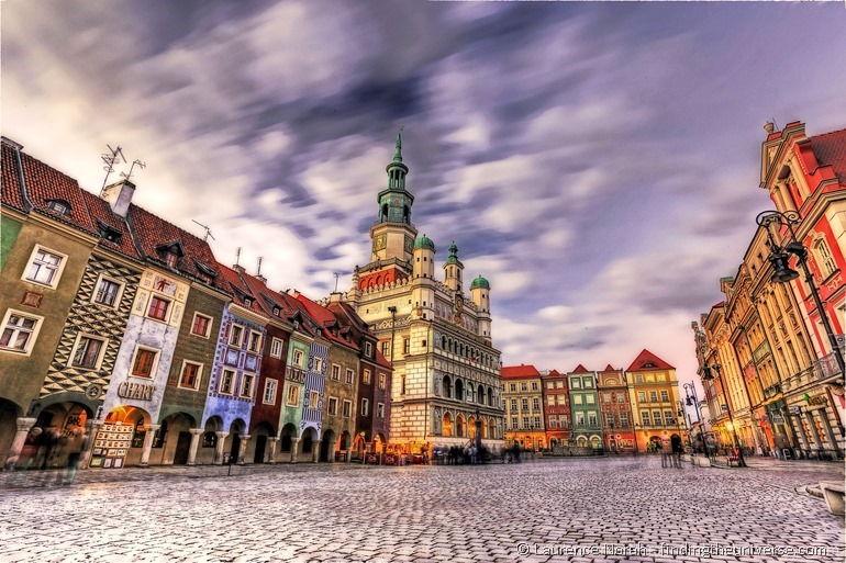 Poznan city square sunset PPS