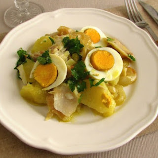 Cod 'à Gomes De Sá' (Cod with Potatoes and Eggs) Recipe