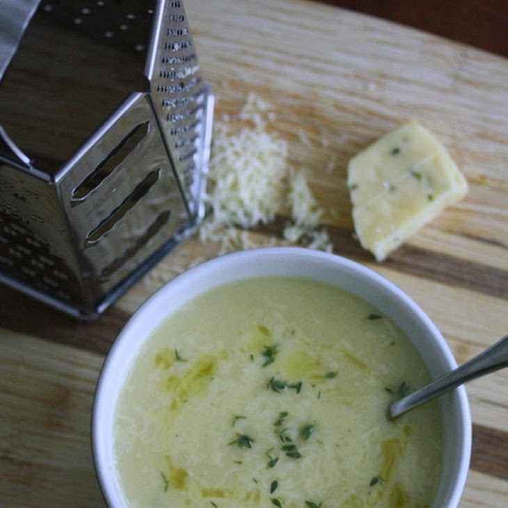 Cauliflower Soup with Sharp Cheddar and Thyme Recipe