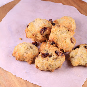 Cookies with Roquefort, Walnuts and Cranberries