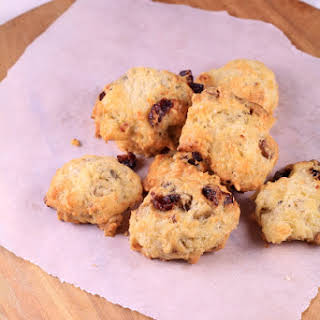 Cookies with Roquefort, Walnuts and Cranberries.