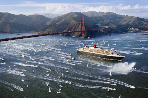 It's a makeshift party as smaller vessels welcome Queen Mary 2 as she enters San Francisco Bay.