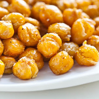 Crispy Roasted Chickpeas (Garbanzo Beans).
