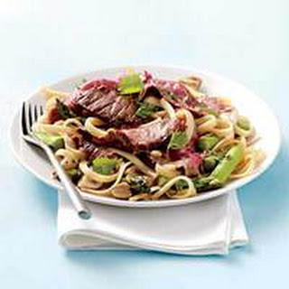 Skirt Steak with Garlic-Ginger Noodles