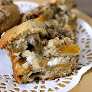 Peaches and Cream Muffins with Streusel