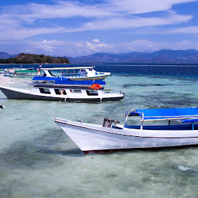 Parking boats by Faizal Djau - Transportation Boats ( boat, saronde, gorontalo )