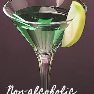 Non-alcoholic Green Appletinis