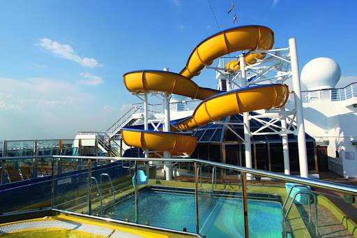 Costa-Fascinosa-waterslide - Costa Fascinosa has three swimming pools and, on deck 14, a waterslide.