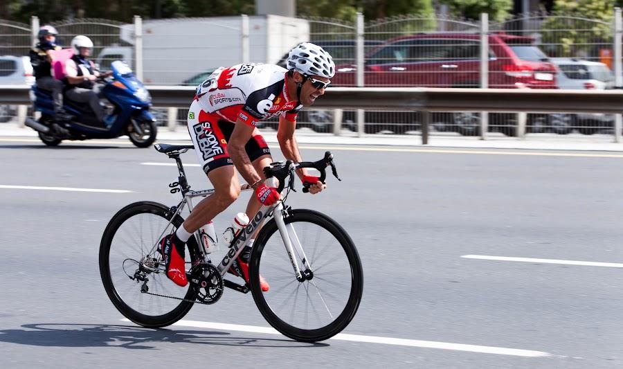 Tour de Dubai... by Russell Dmello - Sports & Fitness Cycling ( panning, dubai, cycling, sports, race )