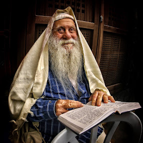 Good Santa from Jerusalem... ;) by Roman Mordashev - People Portraits of Men
