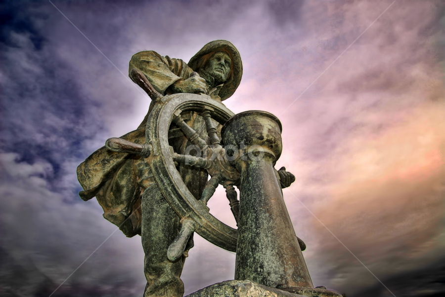 Steersman - Porto by Antonio Amen - Buildings & Architecture Statues & Monuments