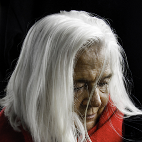 Snow white hair by Adrian Kurbegovic - People Portraits of Women (  )