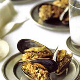 Stuffed Mussels, Istanbul Street-Style