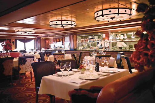 Norwegian-Pearl-dining-Cagneys-Steakhouse - Whether it's for a romantic date or dinner with friends, you'll want to try the wonderful food and cozy atmosphere at Cagney's Steakhouse.