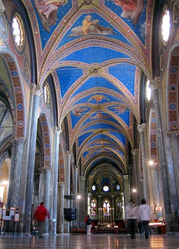 Santa-Maria-Sopra-Minerva - The elaborately painted blue ceiling of the Santa Maria Sopra Minerva in Rome.