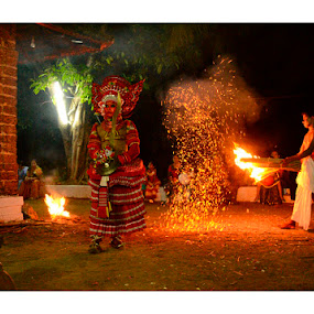 Theyyam-Kaliyattam by Madhu Payyan Vellatinkara - News & Events Entertainment ( god, entertainement, spirutual world. red )
