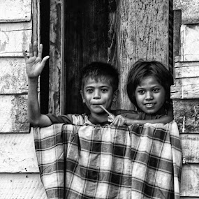 Say Hello by Havidz Zhurrahman - Black & White Portraits & People