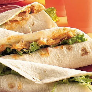 Slow-Cooker Buffalo Chicken Wraps.