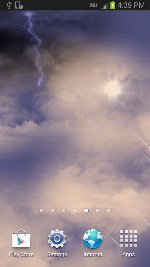 Thunder clouds Free Wallpaper- screenshot