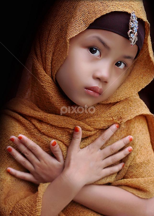 putri pertiwi by Yudi Prabowo - Babies & Children Child Portraits
