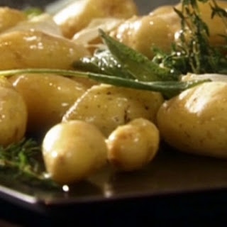 Roasted Fingerling Potatoes with Fresh Herbs and Garlic Recipe