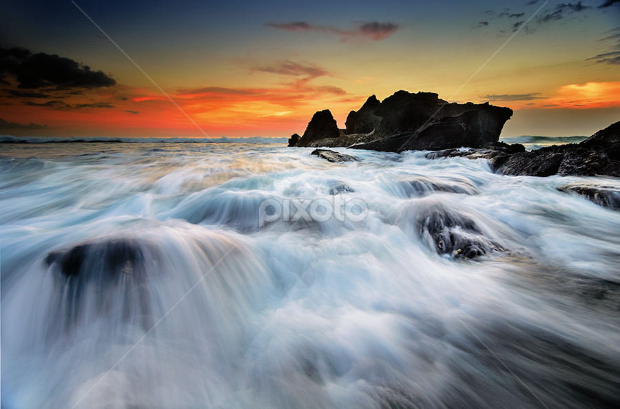 bayaz by Raung Binaia - Landscapes Waterscapes ( water, bali, indonesia, sunset, beach, rocks )