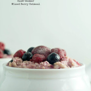 Slow Cooker Mixed Berry Oatmeal