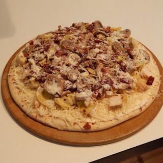 Chicken, Bacon, Mushroom & Artichoke Pizza