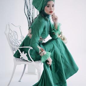 Bridal #1 by Muhammad Fairuz Samsubaha - People Fashion ( studio, bridal, female, wedding, photography )
