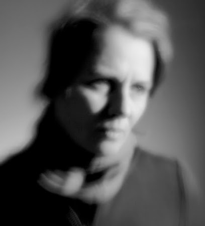 "<p> <a href=""http://www,jamiegriffiths.com/scattered""><strong>Scattered Atoms</strong></a> by Jamie Griffiths in collaboration with Rob Scharein (algorithms) & Germana Mota (pinhole portrait)</p> <p> <em>Vivarium Gallery, Vancouver, Canada, Jan 2011</em></p>"